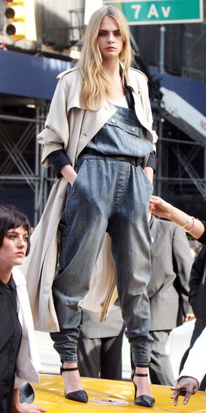 Cara Delevingne - DKNY photoshoot, New York, America - 14 Oct 2013