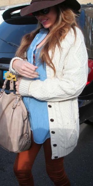 Nadine Coyle shows off her baby bump in London - 17 October 2013