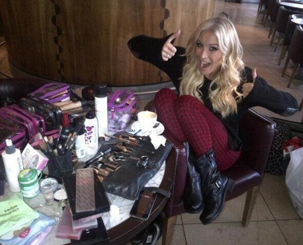Denise Van Outen make-up kit on Twitter, 15 October 2013