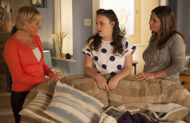 Corrie, Sally makes an effort with Faye, Wed 23 Oct