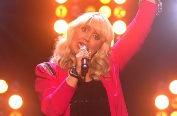 Shelley Smith from The X Factor sings Single Ladies - 19 Oct 2013