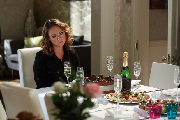 EastEnders, no one turns up to Janine's birthday party, Mon 28 Oct