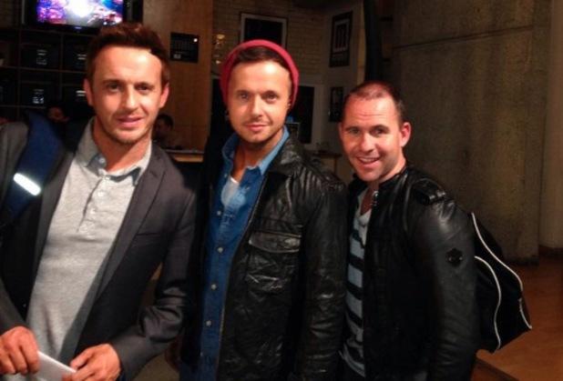911 hint at Christmas single - 22 October 2013