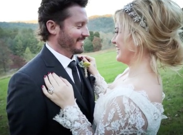 Kelly Clarkson and Brandon Blackstock wedding day