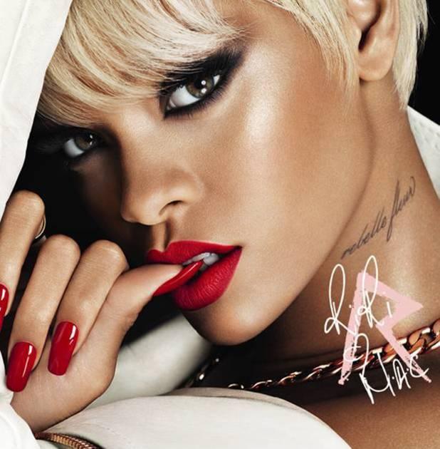 Rihanna Hearts MAC Holiday make-up collection