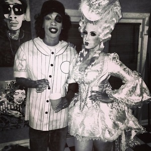 Amber Rose wears Marie Antoinette style costume for Halloween, dresses up with husband Wiz Khalifa - 30.10.2013