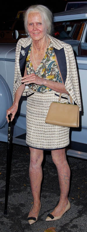 Heidi Klum transforms herself into an old lady for her Hallowe'en party - 31st October 2013