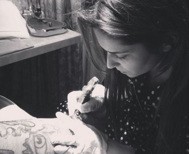 Cheryl Cole designs a tattoo and inks tattoo artist Nikko Hurtado