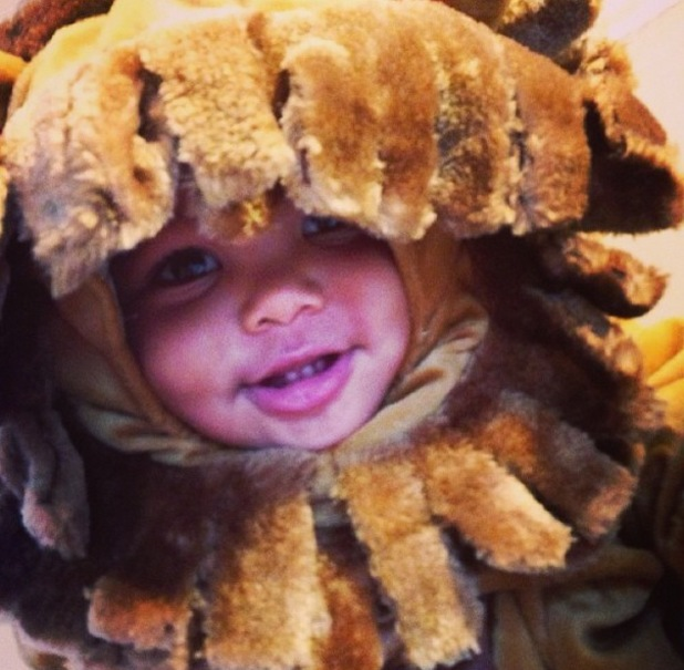 Amber Rose dresses son Sebastian in lion costume for Halloween - 30.10.2013