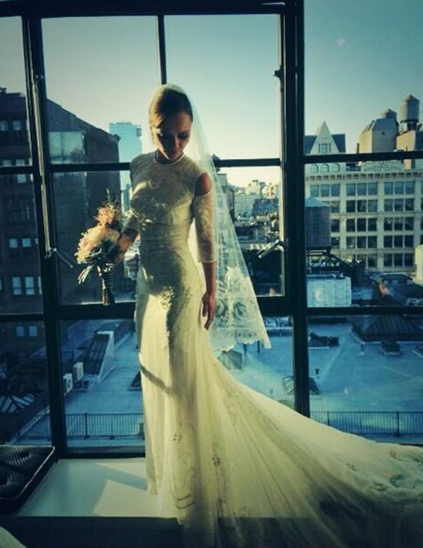 Christina Ricci gives fans a glimpse at her beautiful Givenchy wedding dress, 29 October 2013