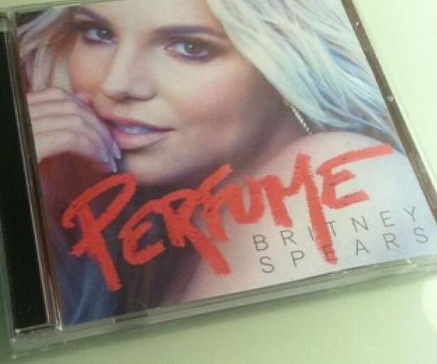 Britney Spears unveils artwork for new single Perfume via Snapchat, 2 November 2013