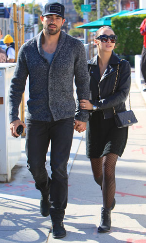 Jesse Metcalfe and Cara Santana seen leaving Urth cafe, arm in arm, after having lunch together. 29 October 2013