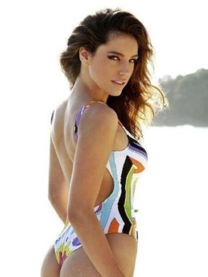 Kelly Brook posts a Twitter picture of her in a swimming costume, October 2013.