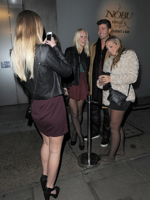 Robin Thicke mobbed by fans outside Nobu, London, 6.11.13