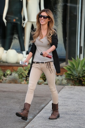 Audrina Patridge exits Andy LeCompte salon in high spirits - 7.11.2013