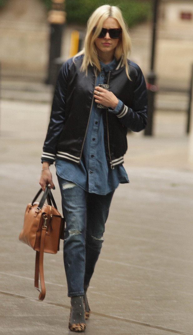 Fearne Cotton heads in to Radio One, 5.11.13