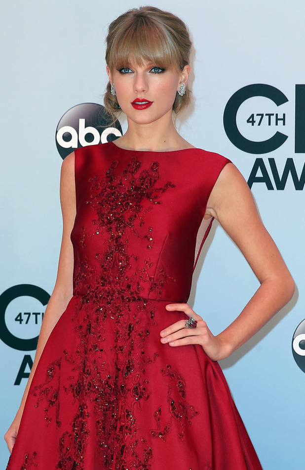 Taylor Swift at the 47th Annual CMA Awards in Nashville, 6 November 2013