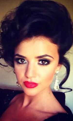 TOWIE's Lucy Mecklenburgh at Lewis Bloor's 80s-inspired birthday bash.