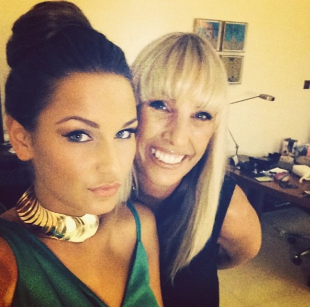 Sam Faiers and her mum ready to go out in Dubai - 12.11.2013