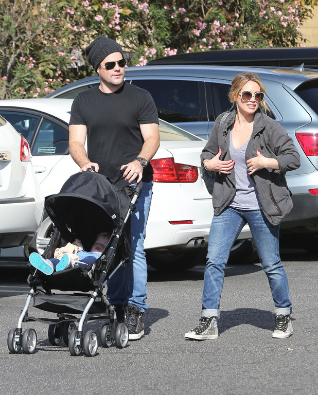 Hilary Duff spends the day at Studio City farmer's market with family and friends - 10.11.2013