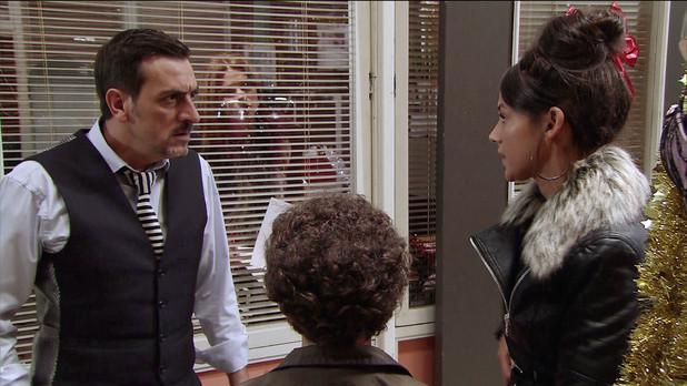 Corrie, Peter's upset about Simon's bullying, Mon 25 Nov