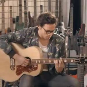 Made In Chelsea's Andy Jordan plays the guitar in music session with Stevie Johnson