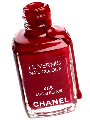 Chanel Nail Colour in Lotus Rouge