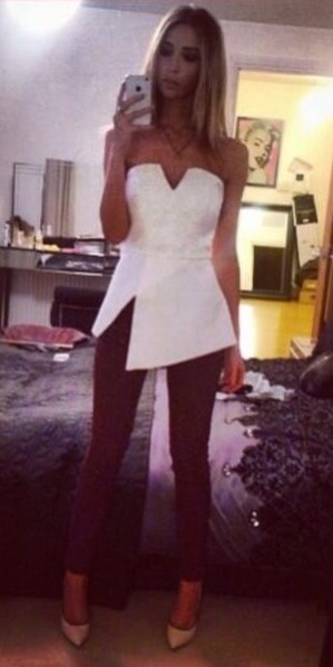 Lauren Pope wears Finders Keepers top on 4 December 2013