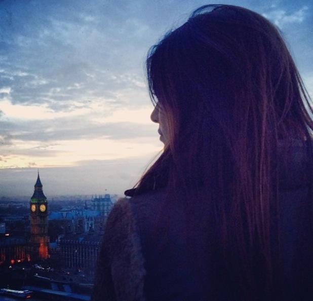 Kendall Jenner visits London, view of Big Ben - 14.12.2013