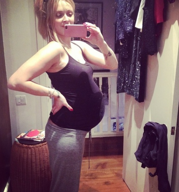 Fearne Cotton posts throwback picture of her baby bump - 18.12.2013