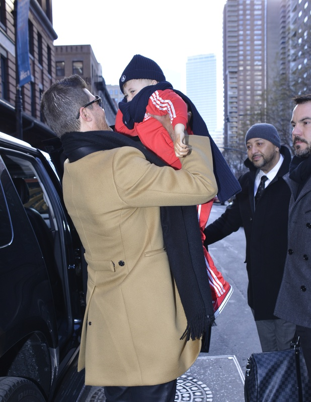 Robin Thicke and son Julian Fuego out and about, New York, America - 13 Dec 2013