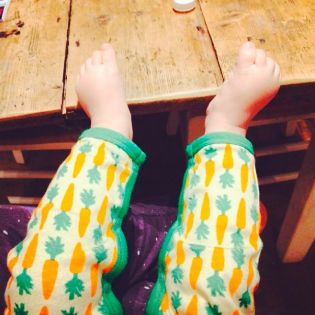 Fearne Cotton shares picture of son Rex's teeny tiny feet on 27 December 2013