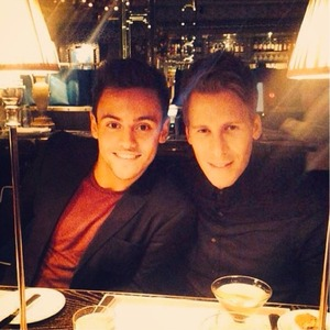 Tom Daley confirms relationship with Dustin Lance Black in cute Twitter photo, 4 January 2014