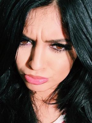 Kylie Jenner shares a selfie, 28.12.14