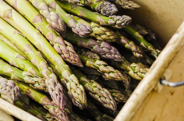 VARIOUS Green asparagus in a crate 2010s