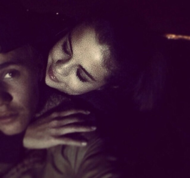 Justin Bieber hints he is back together with ex-girlfriend Selena Gomez, 4 January 2013