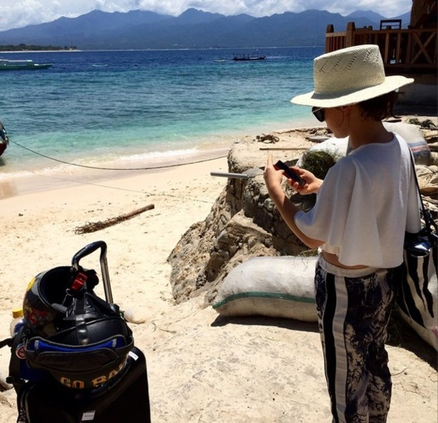 Louise Thompson and Alik Alfus arrive on the Gili Islands 30 December
