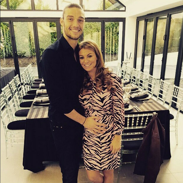 TOWIE's Billi Mucklow shows off baby bump after announcing pregnancy, 26 December 2014