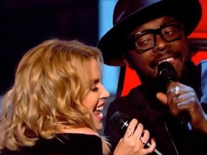The Voice UK coaches Kylie Minogue and will.i.am in group performance of 'I Predict A Riot'. (10 January 2014).