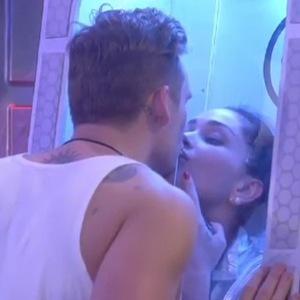 Celebrity Big Brother (6 January) Lee Ryan kisses Jasmine Waltz during UFO task.