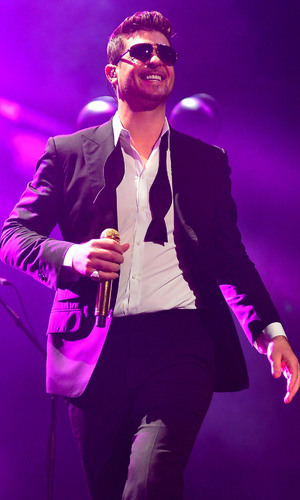 Robin Thicke at the Y100''s Jingle Ball 2013 presented by Jam Audio Collection at BB&T Center - Concert 12/21/2013