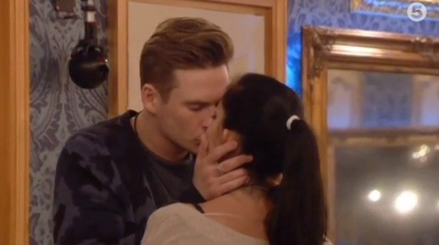 Celebrity Big Brother- Day 6- Lee Ryan and Jasmine Waltz kiss in the kitchen