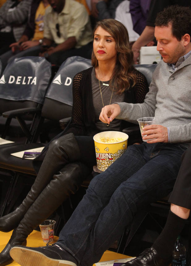 Jessica Alba courtside at the Los Angeles Lakers vs. Denver Nuggets game - 5.1.2014