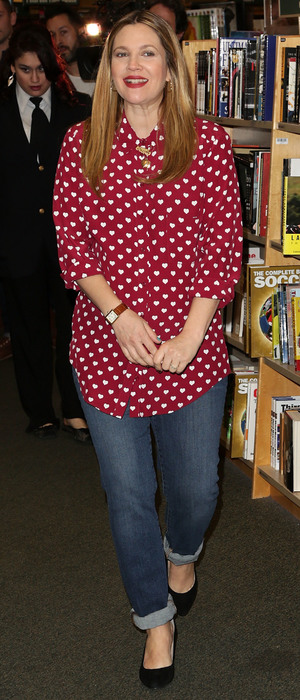 """Actress Drew Barrymore poses at her book signing for """"Find It In Everything"""" at Barnes & Noble - 15th January 2014, LA"""