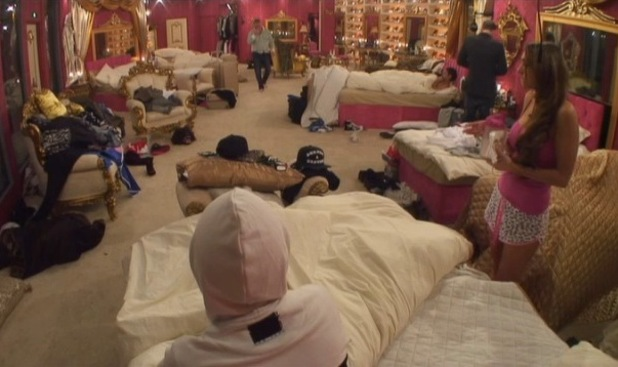 Celebrity Big Brother housemates wonder what happened in Frank Carson's dressing room - 17 January 2014