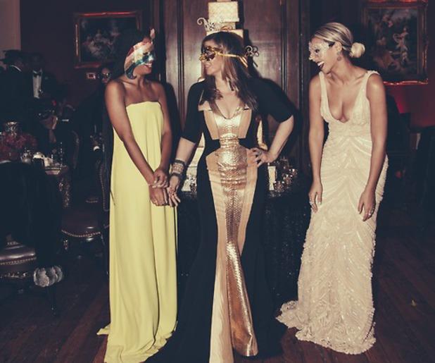 Beyoncé throws masquerade party for mum Tina Knowles - 4.1.2014