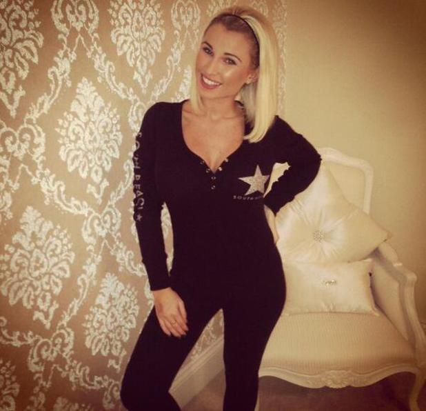 Pregnant Billie Faiers wears onesie for housework - 13 Jan 2014