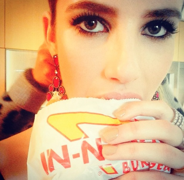 Emma Roberts eats an In N Out Burger before the Golden Globes, 12 January 2014