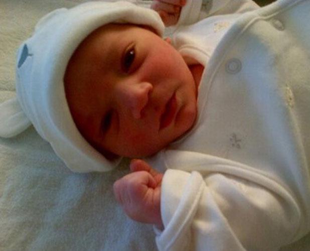 Vanessa Feltz tweets a picture of her daughter's newborn baby son, 14 January 2014