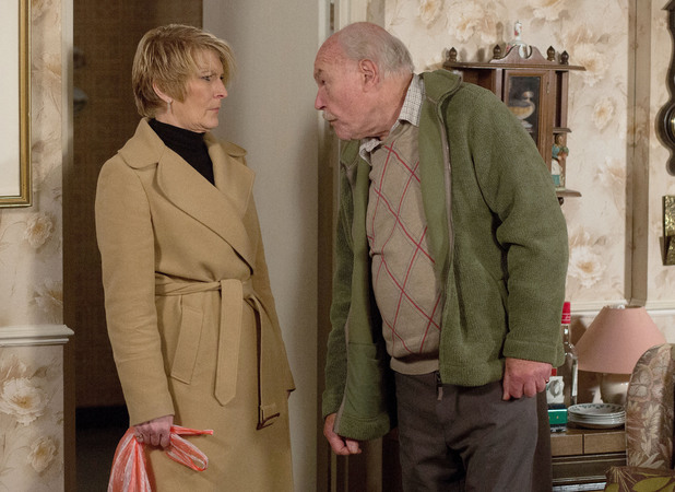 EastEnders, Shirley goes to see her dad, Mon 27 Jan